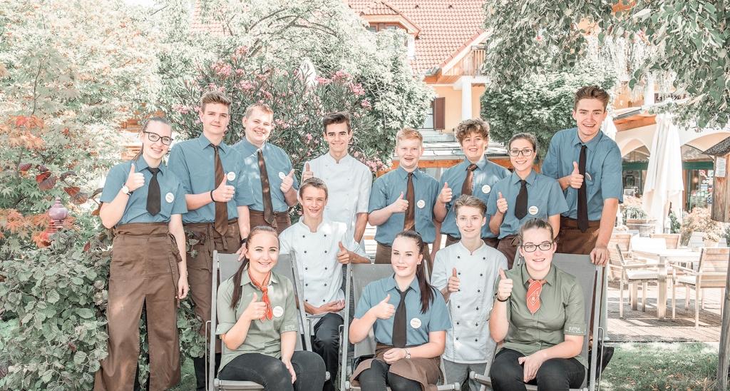 Gruppenfoto Lehrlinge Biohotel Retter
