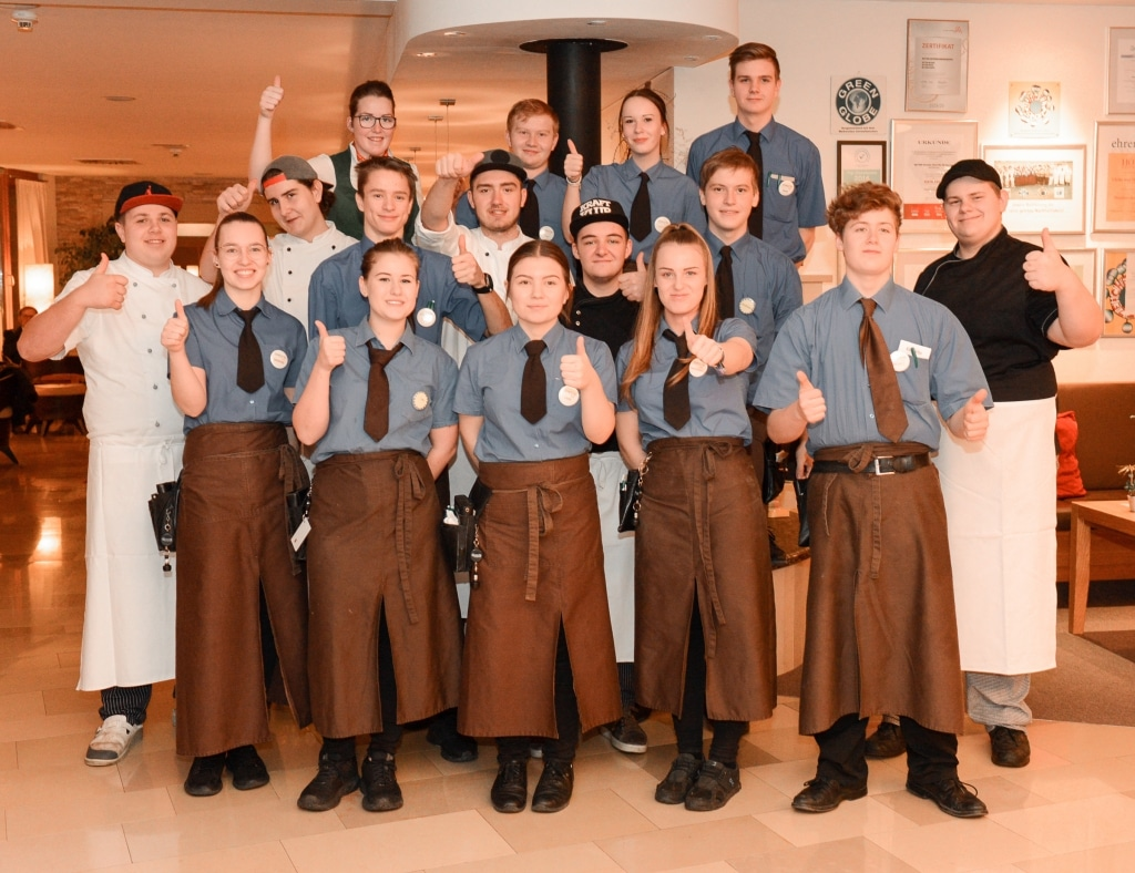 Gruppenfoto Young Stars Lehrlinge Biohotel Retter