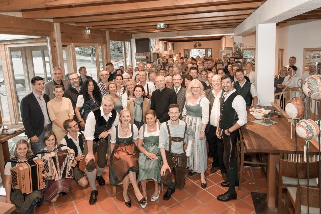 Gruppenfoto im neueröffneten Retter BioGut