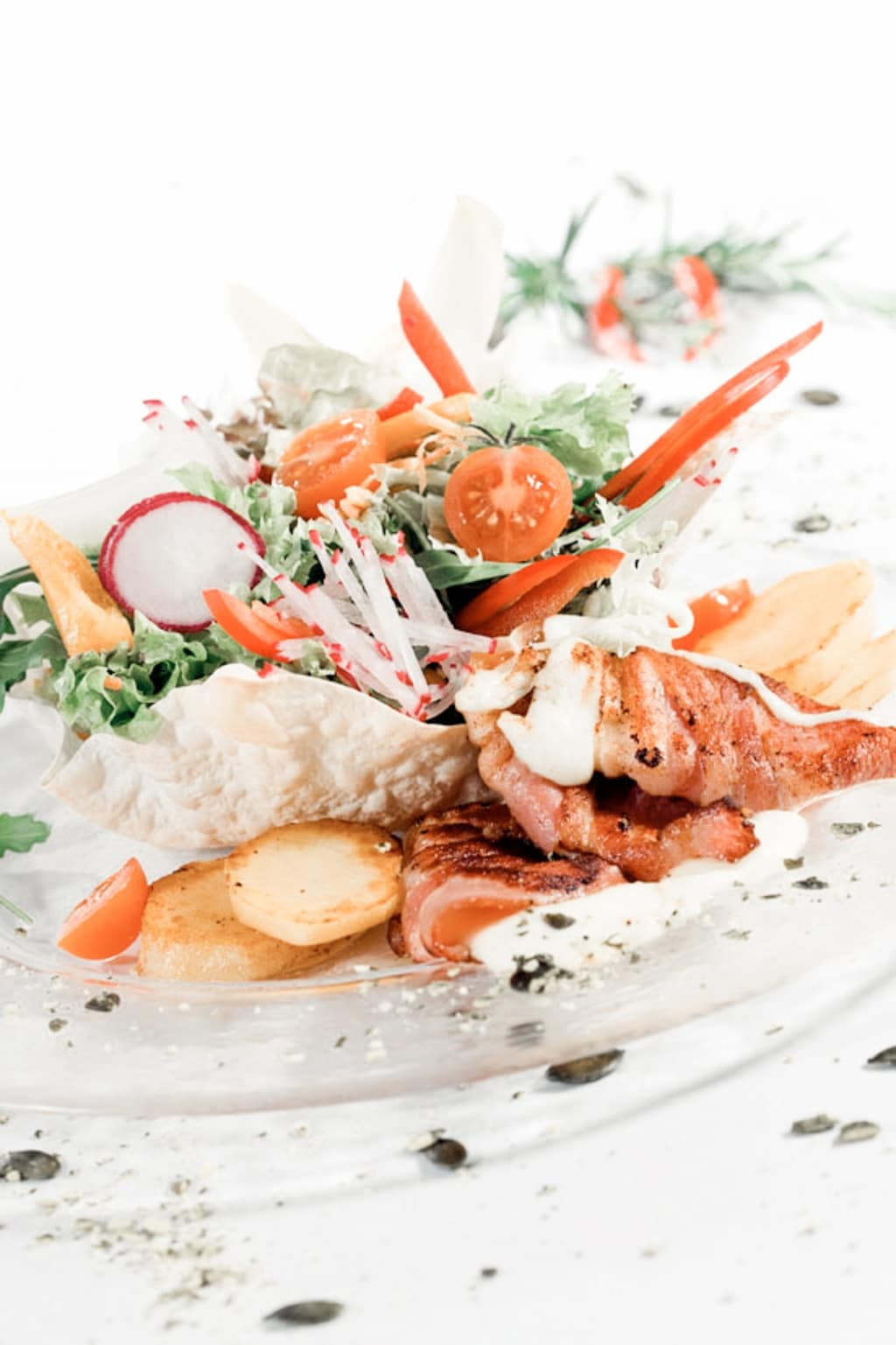 Bio-Weidejungrind mit Salat im Biorestaurant Retter