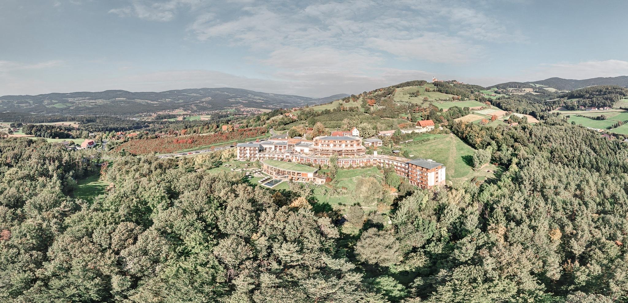 Panorma Flugbild von oben Biohotel Retter