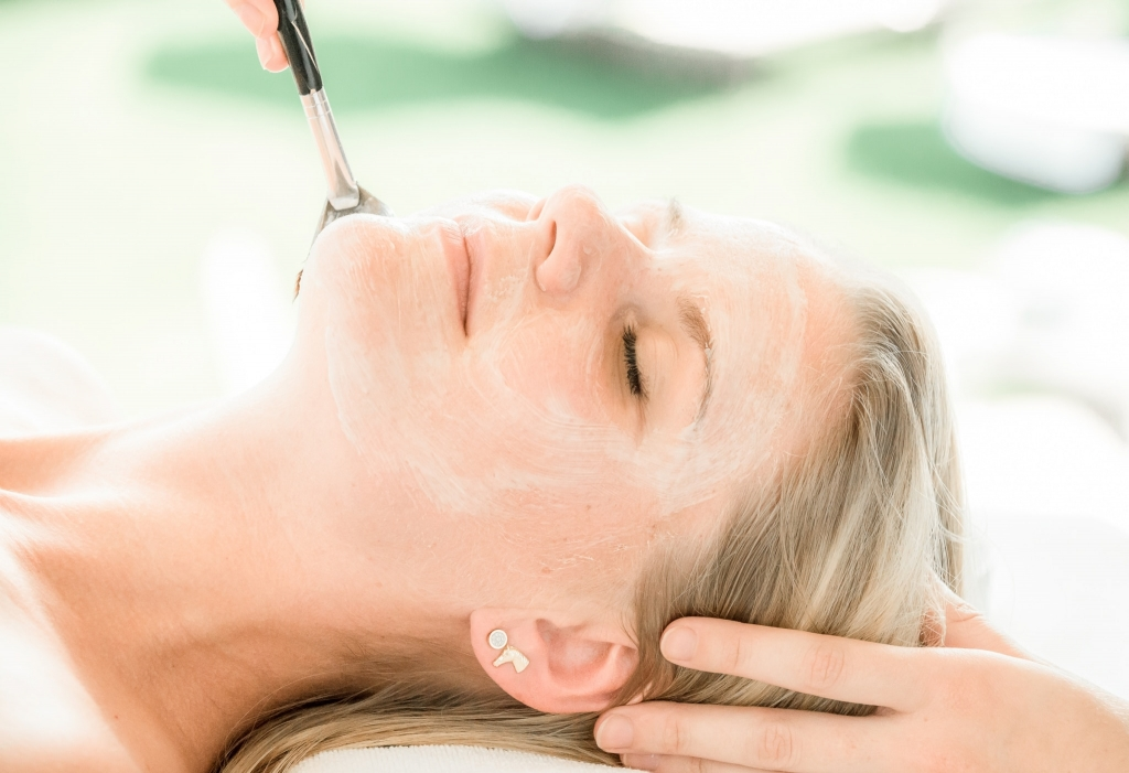 Gesichtsbehandlung, Kosmetik, Bio-Kosmetik, Wellness, Erholung