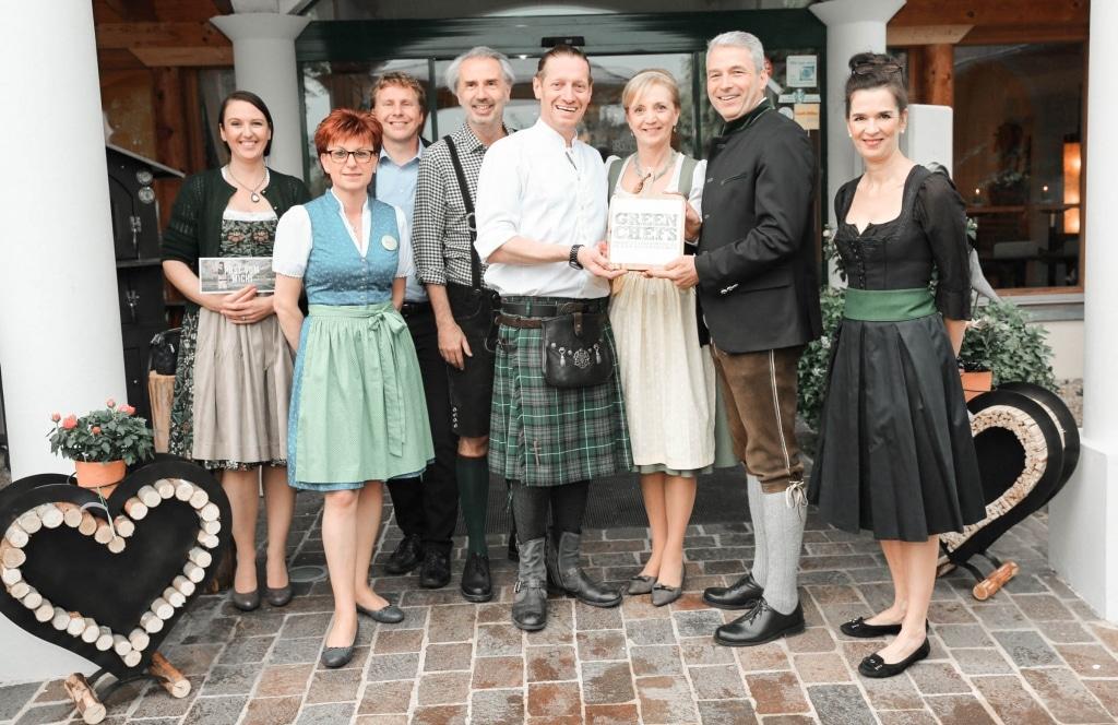 Die Familie Retter freut sich über die Auszeichnung Green Chefs für das Biorestaurant Retter