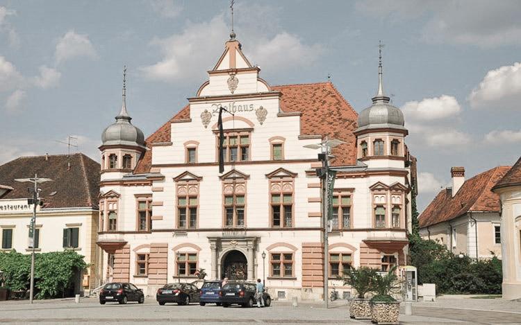 Rathaus in Hartberg Ausflugsziel vom Biohotel Retter Foto: Bernhard Bergmann