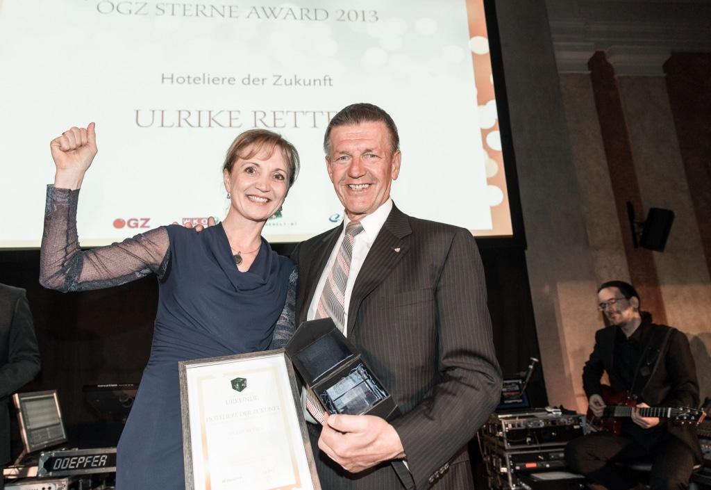 Ulli Retter freut sich über die Verleihung von Hotelier des Zukunft des Biohotels Retter