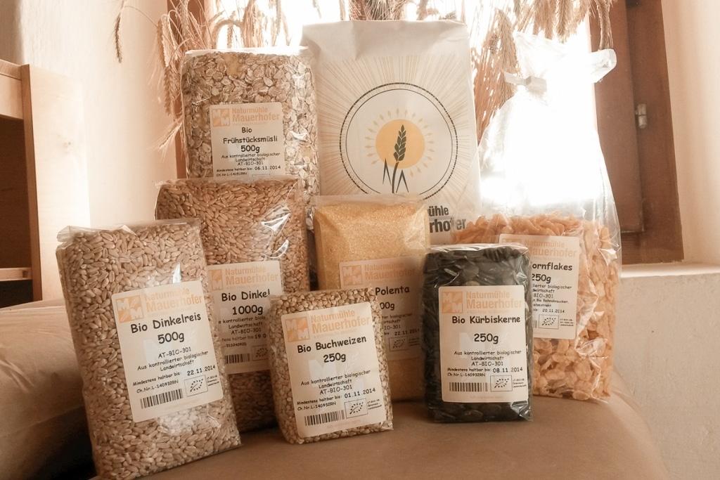 Verschiedene Produkte von der Naturmühle Mauerhofer Ausflugsziel vom Biohotel Retter