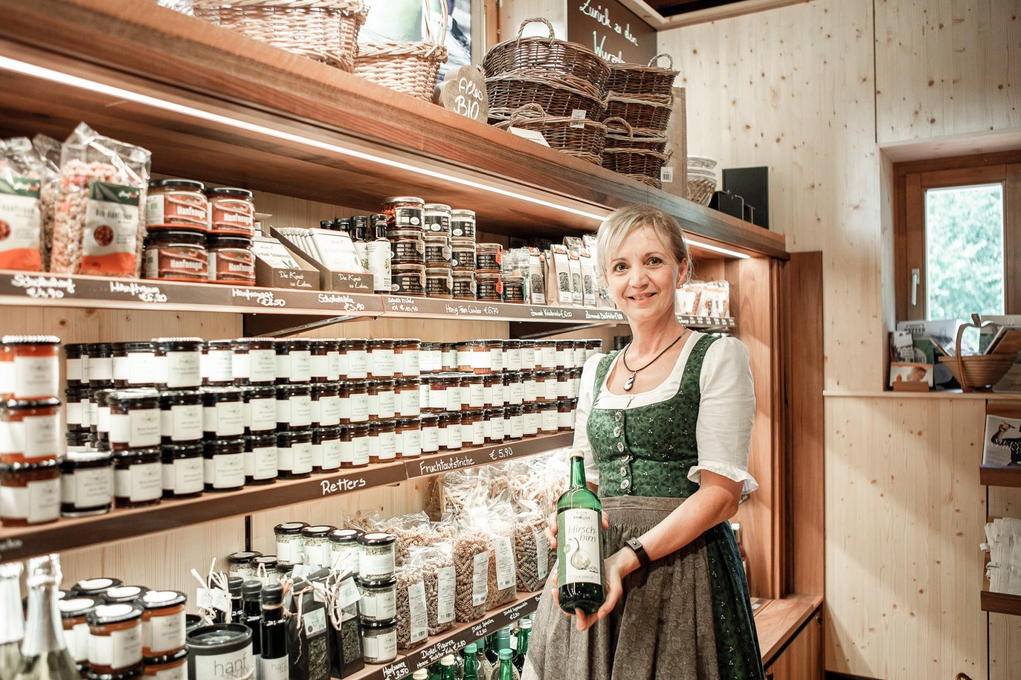 Hausgemachte Bio-Köstlichkeiten gibt es im Bioladen BioGut Retter, Steiermark.