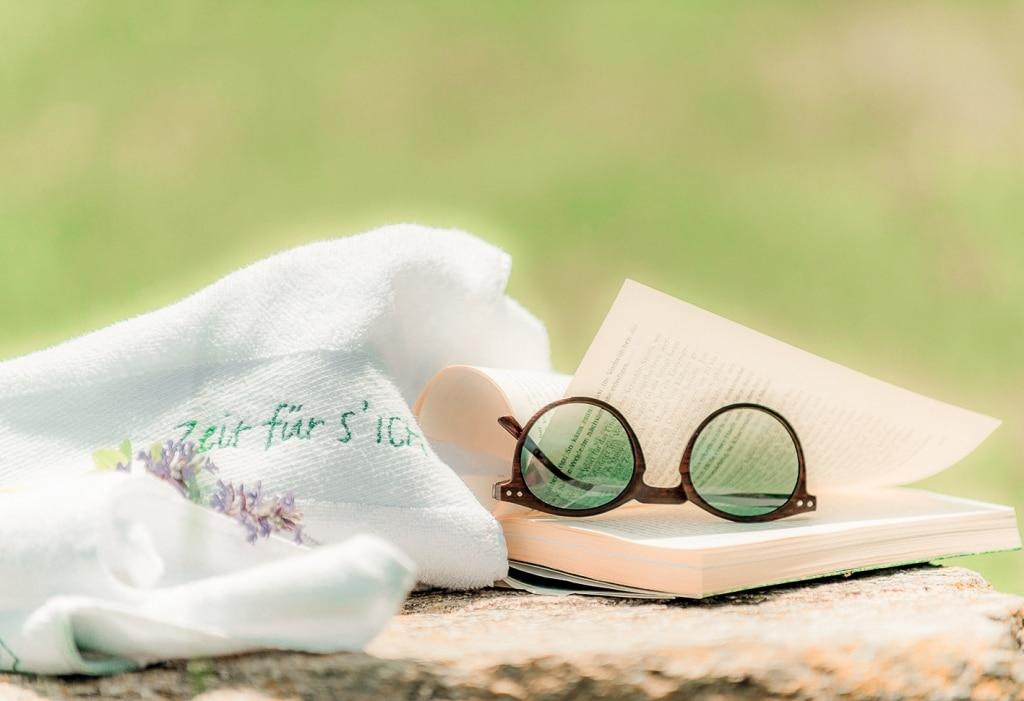 Zeit nehmen, lesen, entspannen, Wellnessurlaub, Retter Hotel, Steiermark