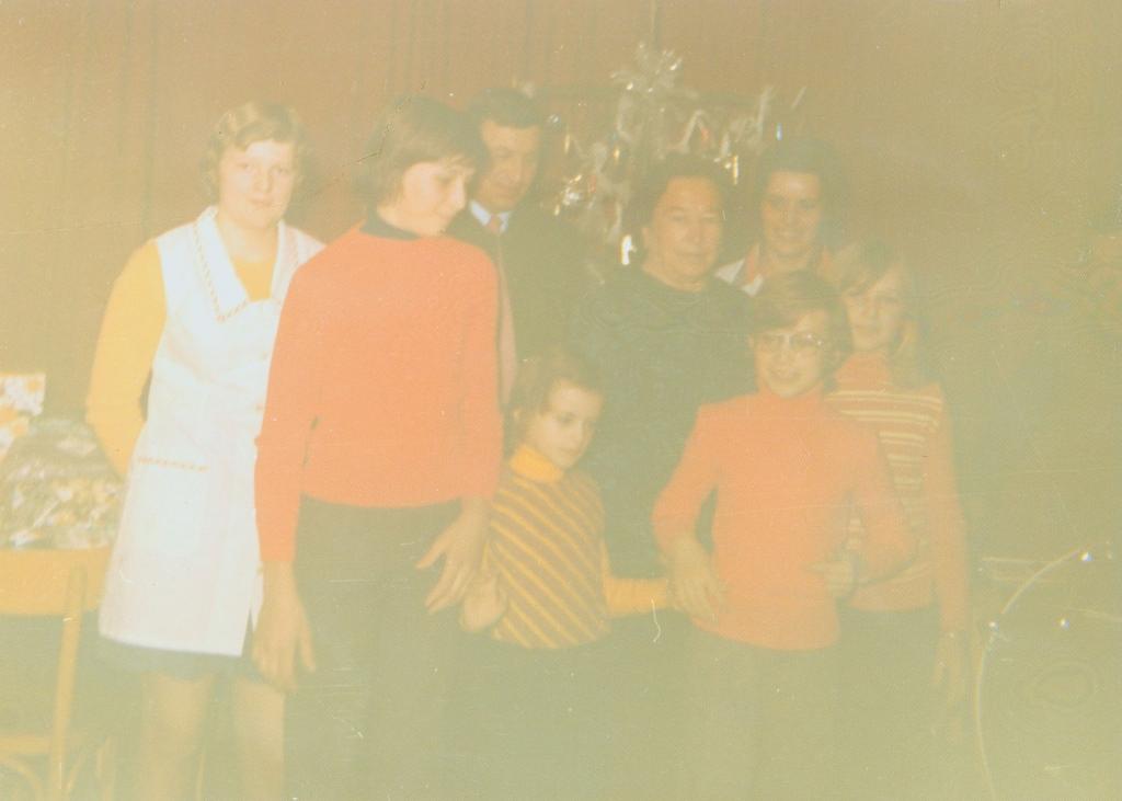 Gruppenbild zu Weihnachten der Familie Retter