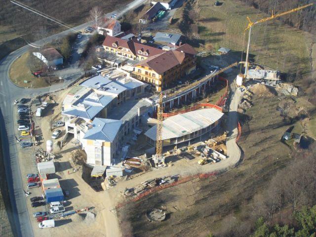 Luftbild der Baustelle vom Umbau des neuen Retters