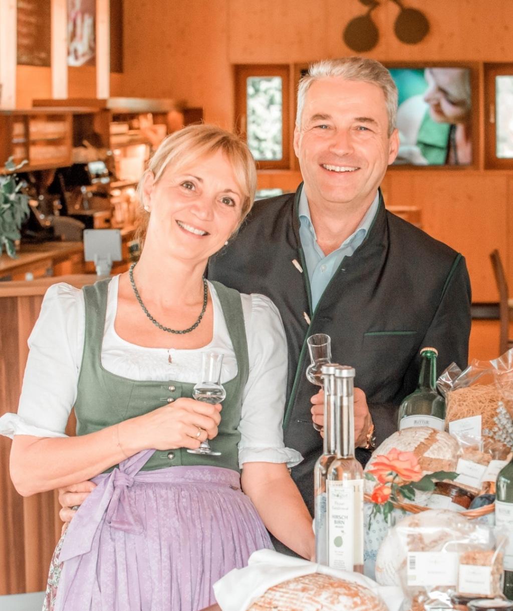 Ulli und Hermann Retter im BioGut neben dem Retter Bio-Natur-Resort.